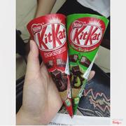 kem kitkat socola và trà xanh