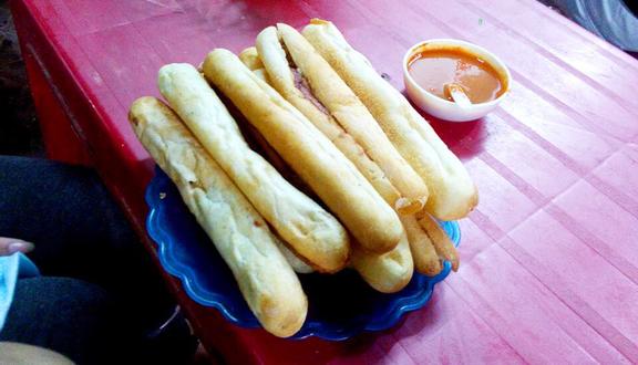 Bà Già - Bánh Mì Cay