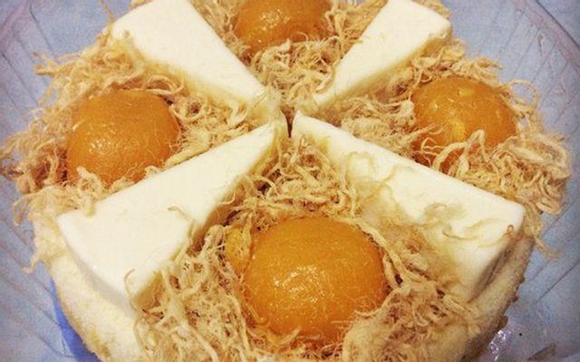 Bánh Bông Lan Trứng Muối Isabella House - Shop Online