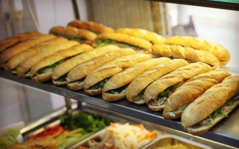 Bánh Mì Chim Chạy - Thịt Nướng Than