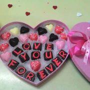 Thanh Trà bakery nhân đặt socola valentine theo yêu cầu của quý khách ,nhiều kiểu de thương .Đem lại niềm vui cho đôi lứa trong ngày valentine năm ni .Liên hệ :0946.561733