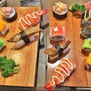 cơm cuộn + sushi