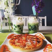 Chào tuần mới^^ Pizza đã trở lại ngon hơn xưa , hấp dẫn hơn xưa nhưng giá không đổi,40.000 cho size nhỏ và 68.000 size lớn 🍕😋 ----------------------------------Newstars Coffee 15 Ngô Văn Trị,Phú Lợi,TDM,Bình Dương