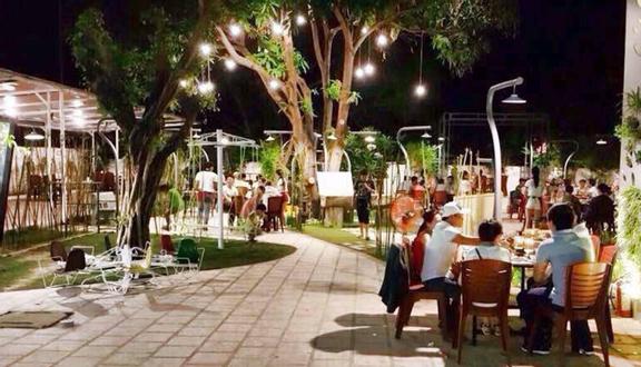 CR Restaurant - Hải Sản Tươi Sống