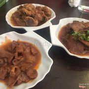 Các món ăn kèm nè, kết món bên trái nhất nhưng ham ăn nên chưa biết tên ))))