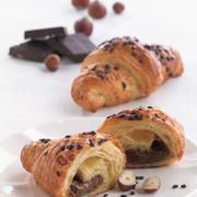 G004 - Bánh Croissant bơ Pralin Butter Praline Croissant