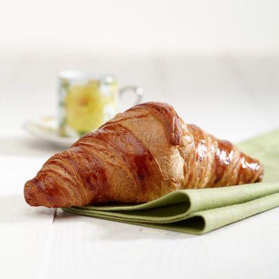 G001 - Bánh Croissant bơ Mini Butter Croissant Trọng lượng: 25g Thành phần: Tỷ lệ bơ: 22%