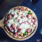 Pizza tự làm đây ạ cái này là 146k ạ. 😂😂 ăn cũng ngon mà hơi chát 1 chụt