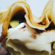 Bánh Crepe Cuốn nhân Kiwi