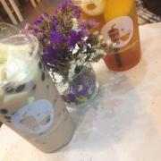 Trà sữa truyền thống phô mai tươi + trà đào vải ( đều size M )