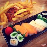 Sushi 40k, gà với khoai 68k