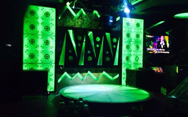 Ba Sao Karaoke - Ngọc Hồi