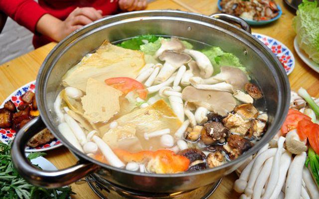 Việt Hoa Quán - Xiên Que & Lẩu Gà
