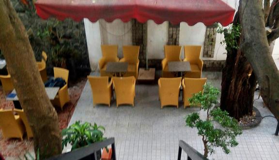 Pha Lê 2 Cafe