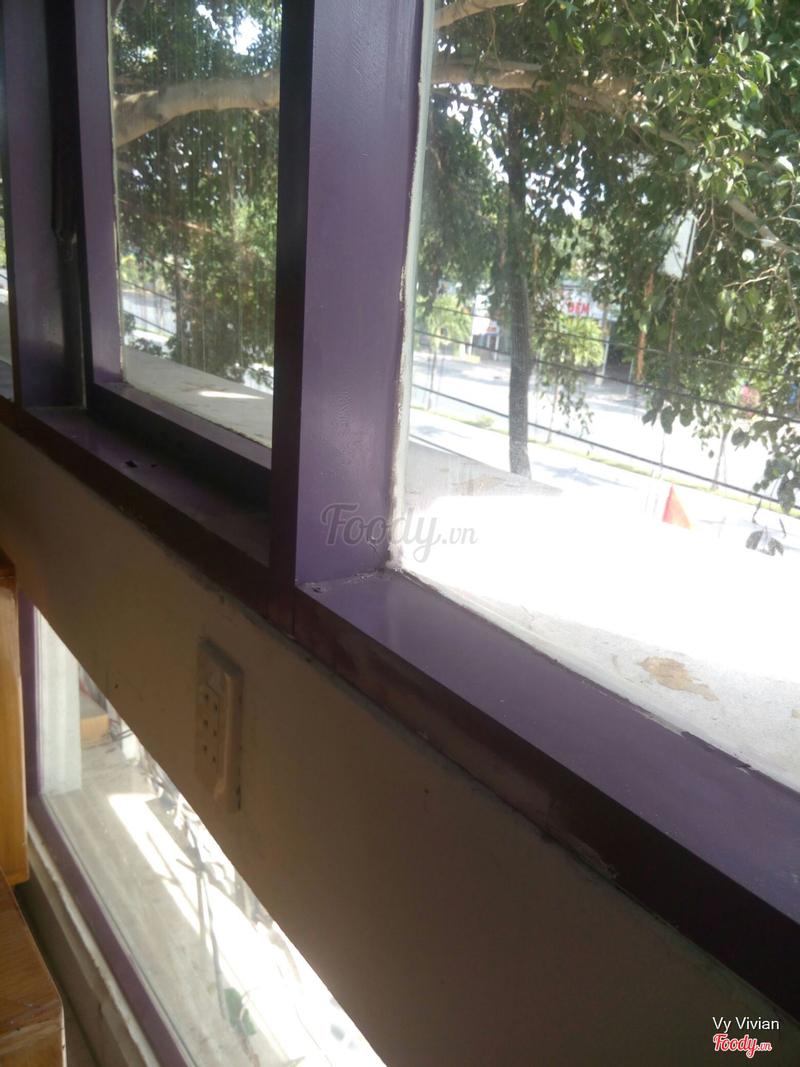 View một góc trên lầu xuống phố