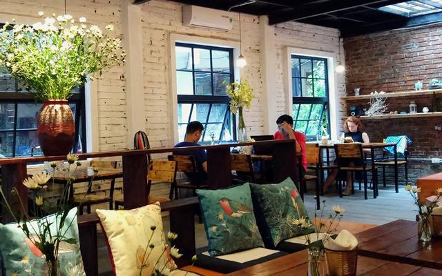 Tổ Chim Xanh - Bluebirds'Nest Book Cafe