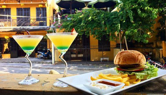 Thai Market Cafe & Restaurant