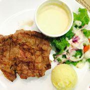Bò bít tết suất lớn 120k (sốt phô mai và khoai tây nghiền)