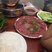 Dĩa thịt bò nguyên phần này giá 99k cho voucher qá đả ko bik quán lấy j để lời nửa :))