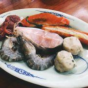 set hải sản ăn chung với lẩu