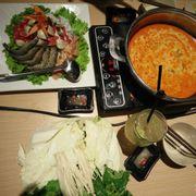 Lẩu Thái ( thịt độn rau)