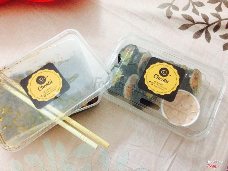Kimbap và mỳ đen