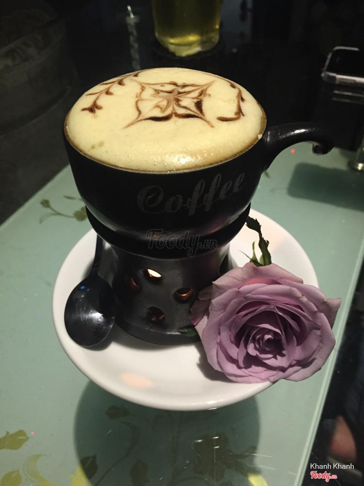 BD Florist & Flower Coffee - Cafe Hoa Cưới Nhỏ Xinh ở TP. HCM