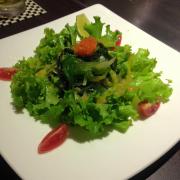 Salad rong nho và trứng tôm 89k