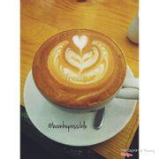 Latte pha rất vừa miệng, giá rẻ không gian thoải mái, a chủ quán vs nhân viên rất dễ thương, thân thiện :))