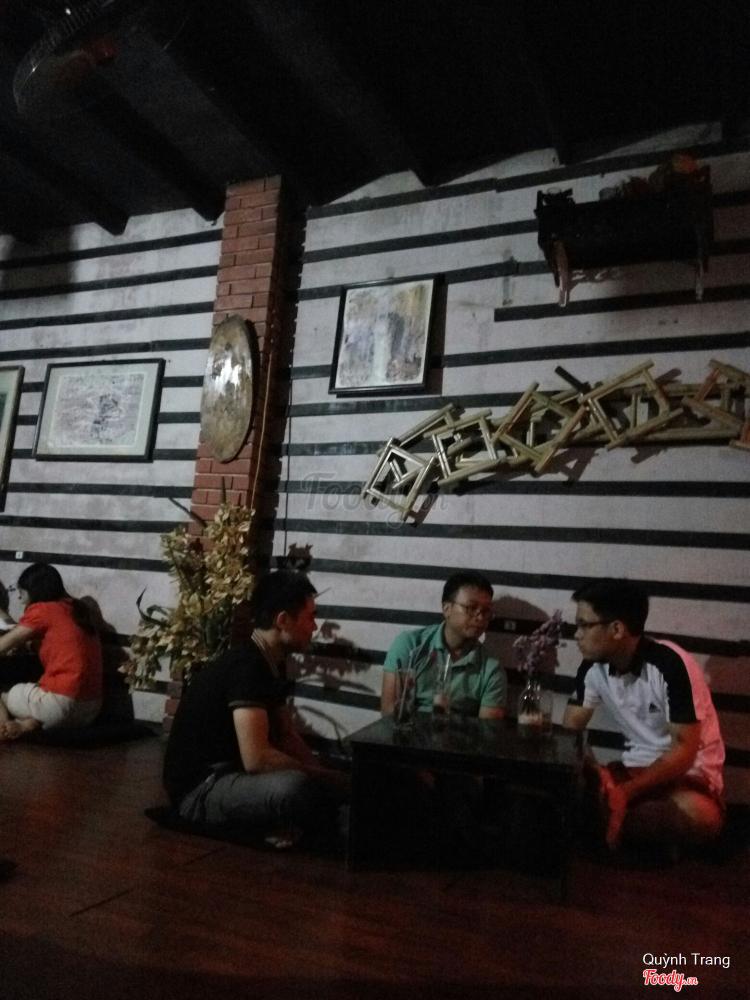 Trịnh Cafe - Hoàng Văn Thái ở Hà Nội