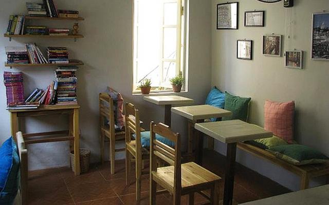 Le Petit Cafe - Hạ Hồi