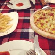 Pizza bò jambon M.+  khoai chiên