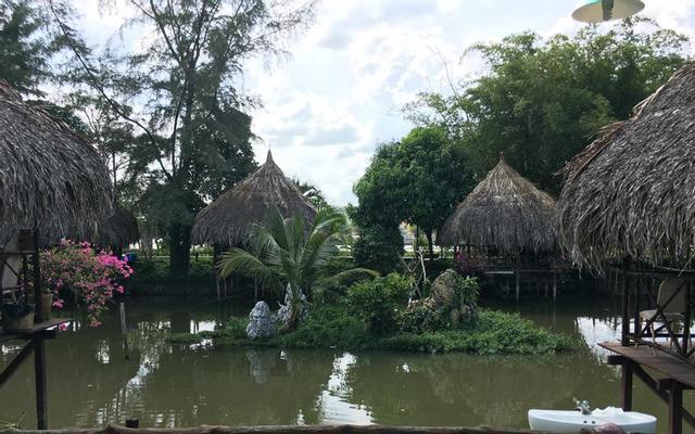 Hoa Sứ - Ẩm Thực Ven Sông & Tiệc Cưới