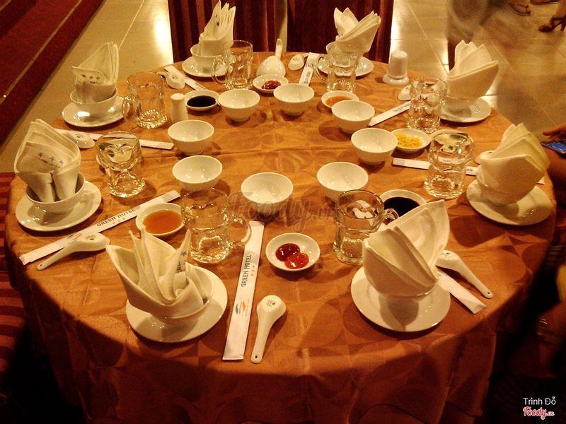 Nhà hàng 2 - Bàn tiệc