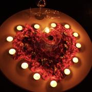 Chỉ với 350k đc trang trí hoa nến lung linh, lại còn đc tặng tráng miệng