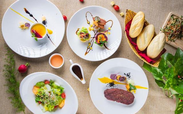 Botanica - Salad, Steak & Pasta - Giảng Võ