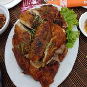 Gà nướng tẩm ướp ngon, nhưng con gà ko ngon