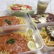 Mỳ spaghetti twisted blognese, mỳ spaghetti classic, salad dưa chuột và súp nấm tươi