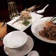 Miến trộn chua cay và Pad Thai