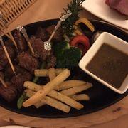 Steak cắt nhỏ
