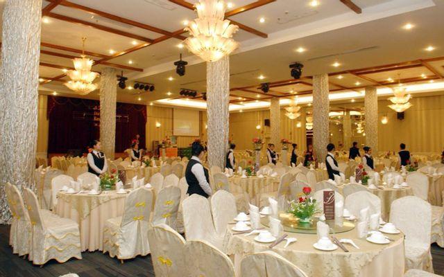 Đông Phương - Tiệc Cưới & Hội Nghị - Lũy Bán Bích