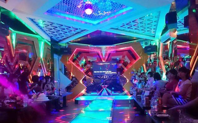 Sunny Royal Karaoke - Xã Đàn