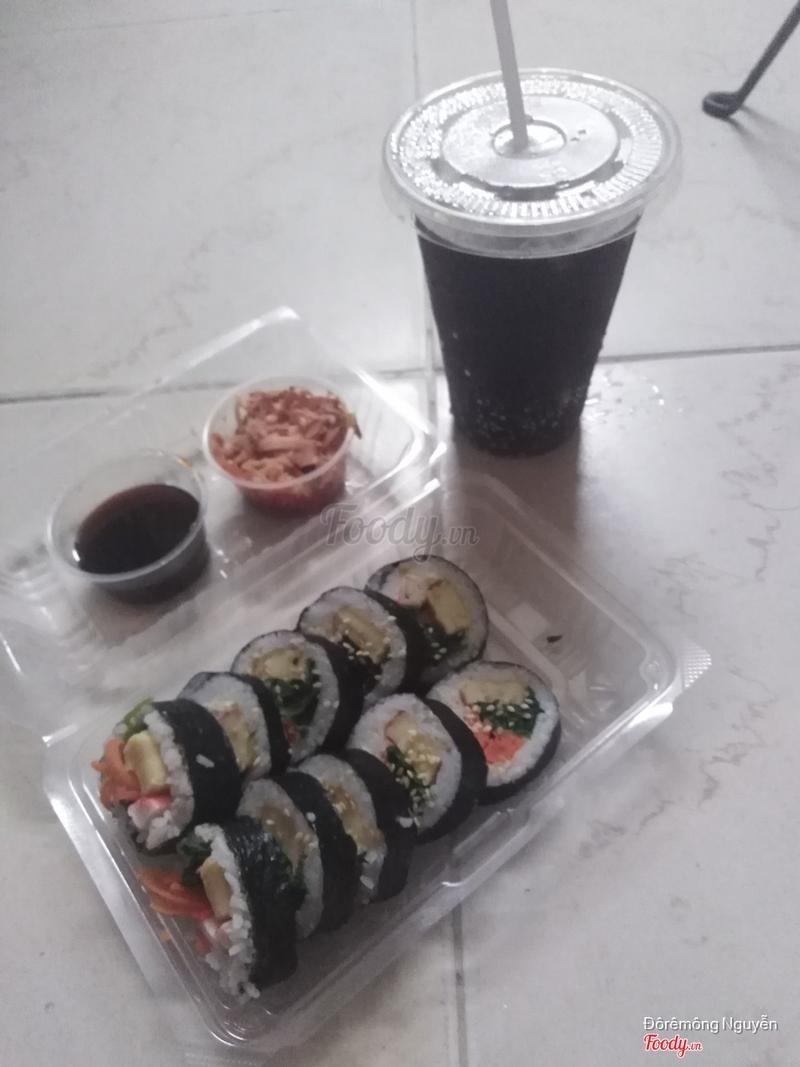 Combo kimbap tươi + Coca