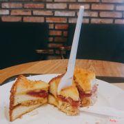 Bánh mỳ kẹp jambong chiên xù ^^