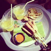 Nem nướng, cá chỉ và trà chanh