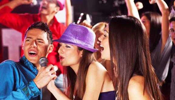 Táo Đỏ Karaoke