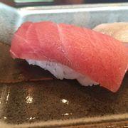 Sushi bụng cá ngừ