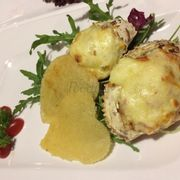 Farci crab with cheese crisp