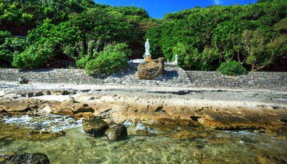Kết quả hình ảnh cho chùa hang đảo lý sơn