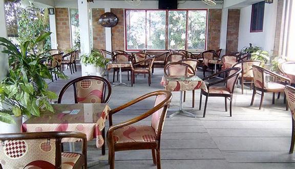 Sông Trăng Cafe